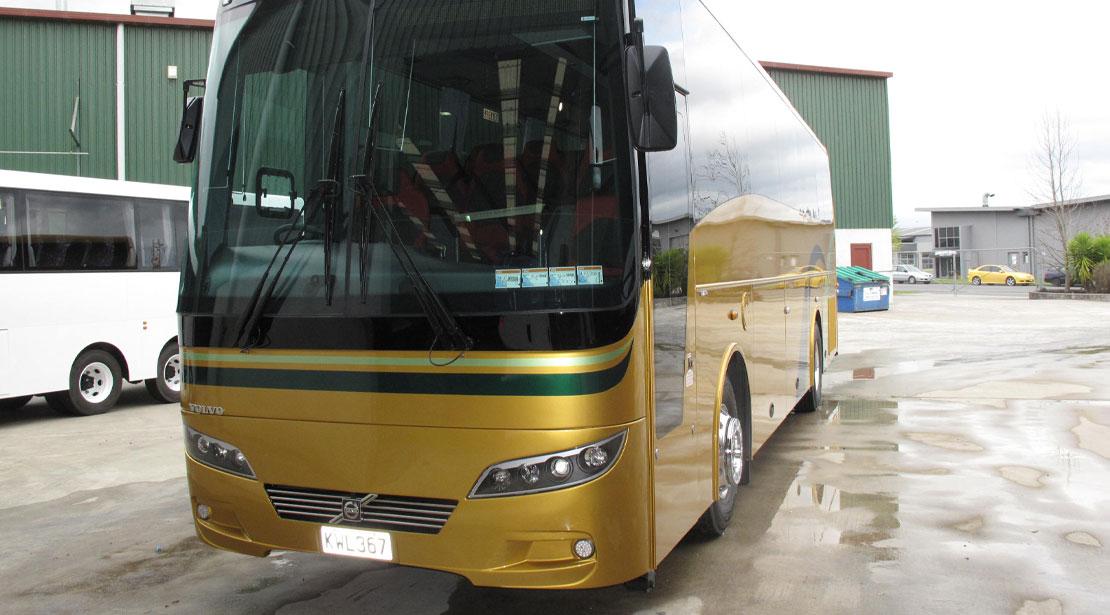 2 Axle Volvo B8R - 48 Seats