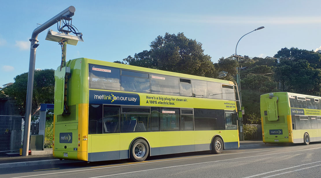 Electric Double Deckers on Fast Charge