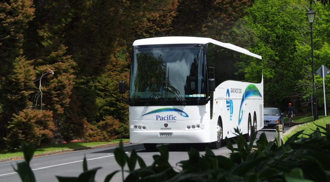 49 Seat, 5 Star 13.5m Scania K400EB Coach